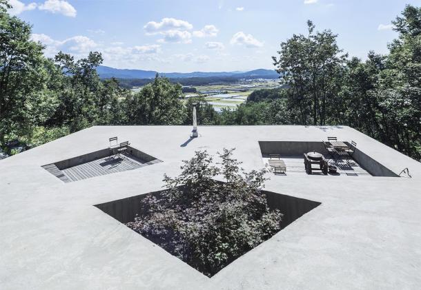Tilt Roof House 1