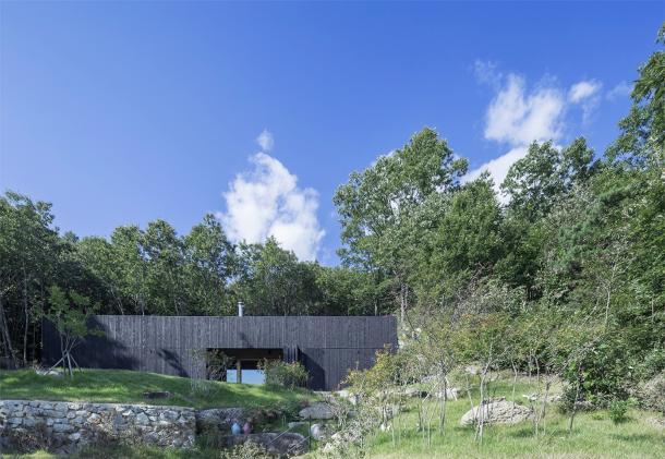 Tilt Roof House 4