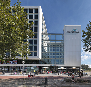Arc16 motel one zzdp architecten 1