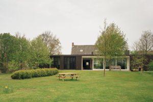 Woonhuis in Ouddorp door Jules van Vark en Hans Cool