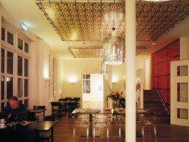 Renovatie theater het oude raadhuis in hoofddorp door for Hoofddorp theater