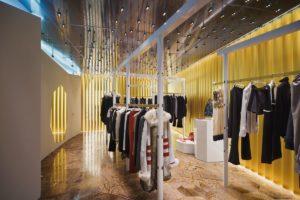 Flagship store Balenciaga in Milaan door Dominique Gonzalez-Foerster