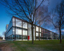 Onderwijsgebouwen in Enschede door architecten van Mourik