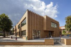 De Zwarte Hond ontwerpt voor Montessorischool Waalsdorp, Den Haag