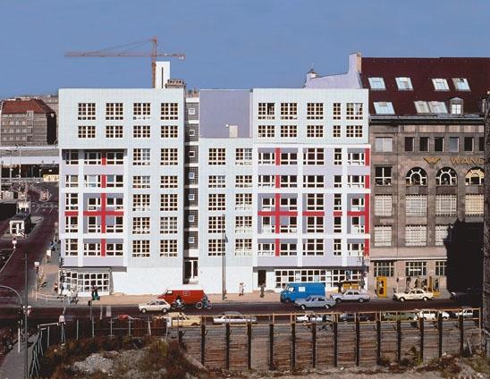 Peter Eisenman, woonblok, IBA, Berlijn