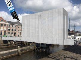 Zwolse voetgangersbruggen krijgen tijdelijke make-over