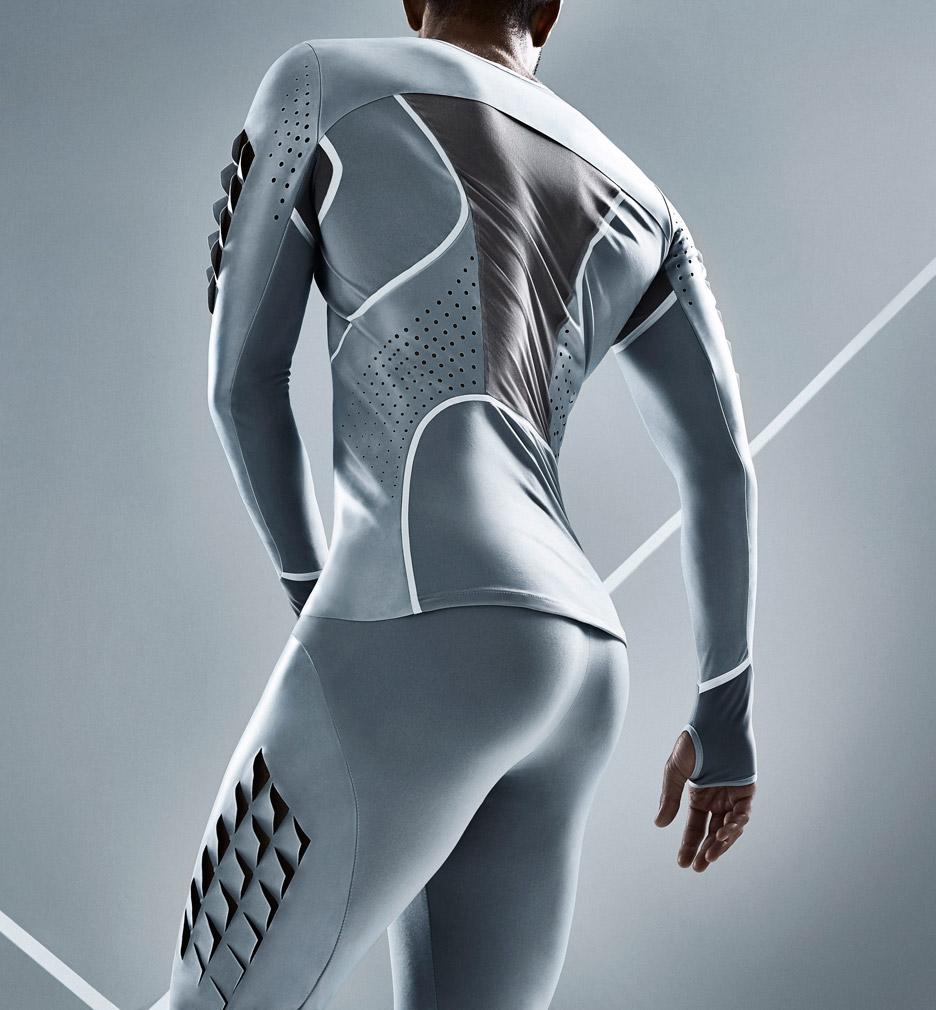 Van Dongen Atletenoutfit gemaakt van latex