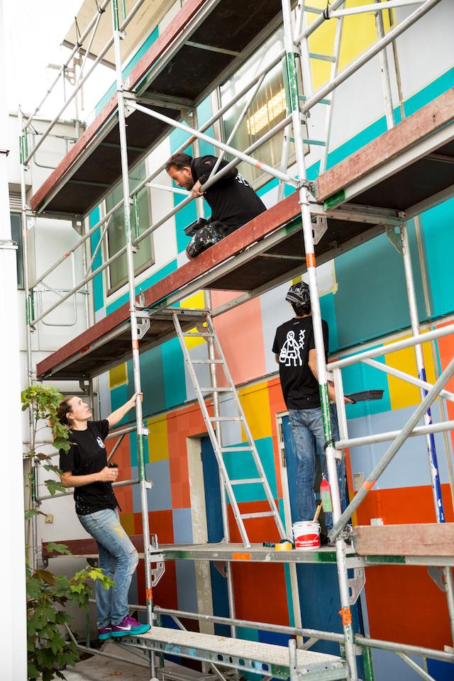 Bijlmer krijgt kleur voor vluchtelingen. Foto Theo Sijtzema