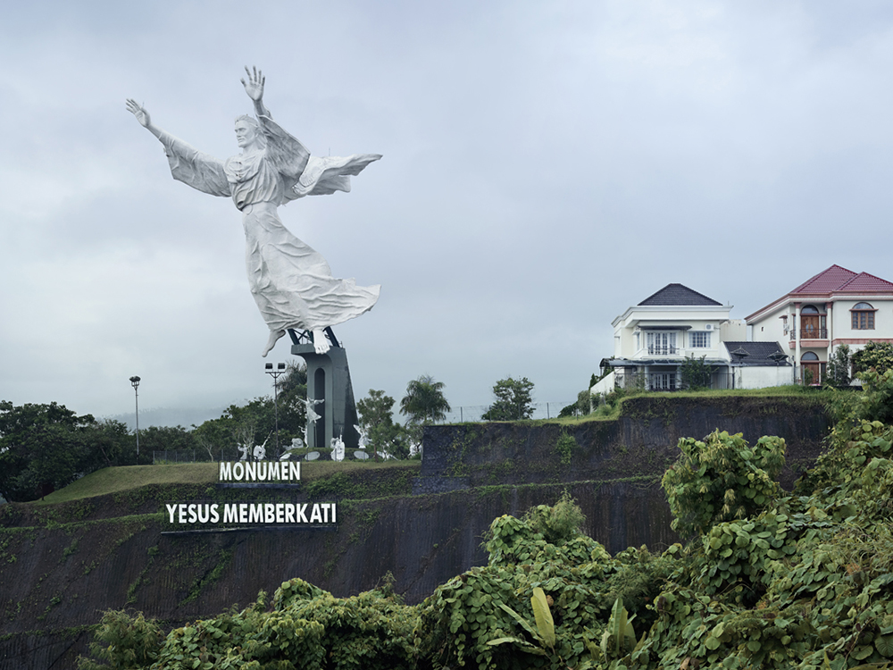 Christ Blessing, Manado, Indonesia, 2007Landscape, Blog Jeroen Apers