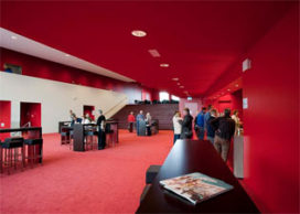 Schouwburg Amphion in Doetinchem geopend