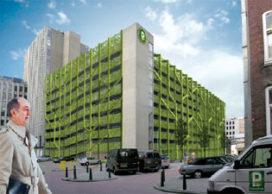 Groene gevel voor parkeergarage