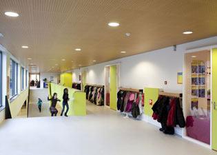 Opening basisschool st lukas in amsterdam osdorp de for Meubilair basisschool