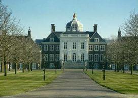 Amerikanen buigen zich over paleis Beatrix