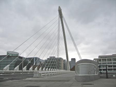 Winnar staalbouwprijs 2010: Calatravabrug Dublin