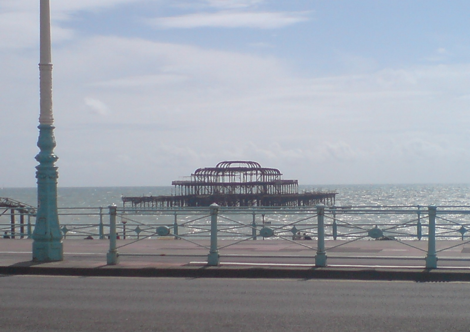 Pier Brighton, Arlette Dinsbach