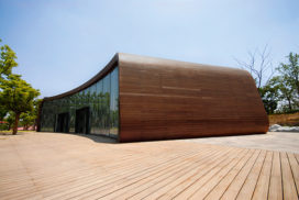 Innovatie in massief houten voorzetgevels