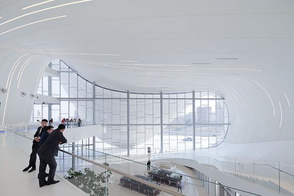 Het aangepaste ontwerp van Zaha Hadid voor het Tokyo National Stadium voor de OS van 2020