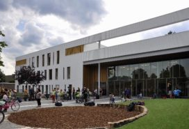 Spilcentrum 't Hofke door UArchitects wint Dirk Roosenburgprijs