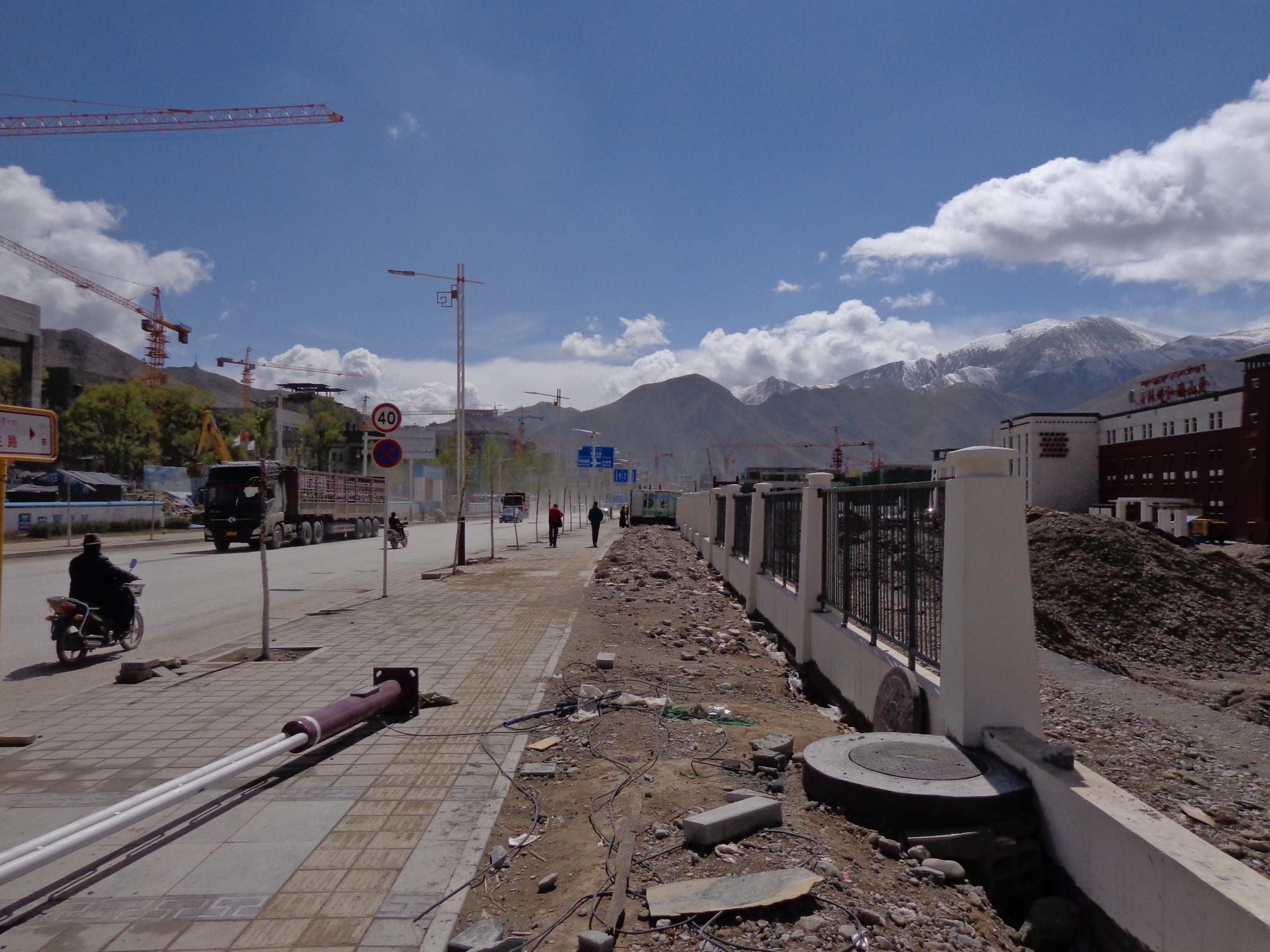 Wederopbouw in Tibet _ Jan van Vlerken