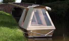 Mini-woonboot door Daniel Durnin