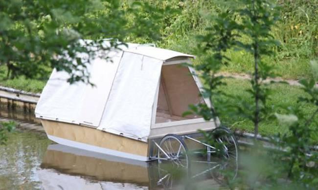 Danien Durnin Waterbed - Mobiel woonbootje