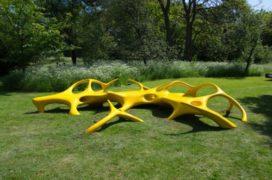 Weelderige gele sculpturen