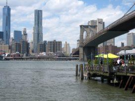 New York bruisende en achterstallige stad