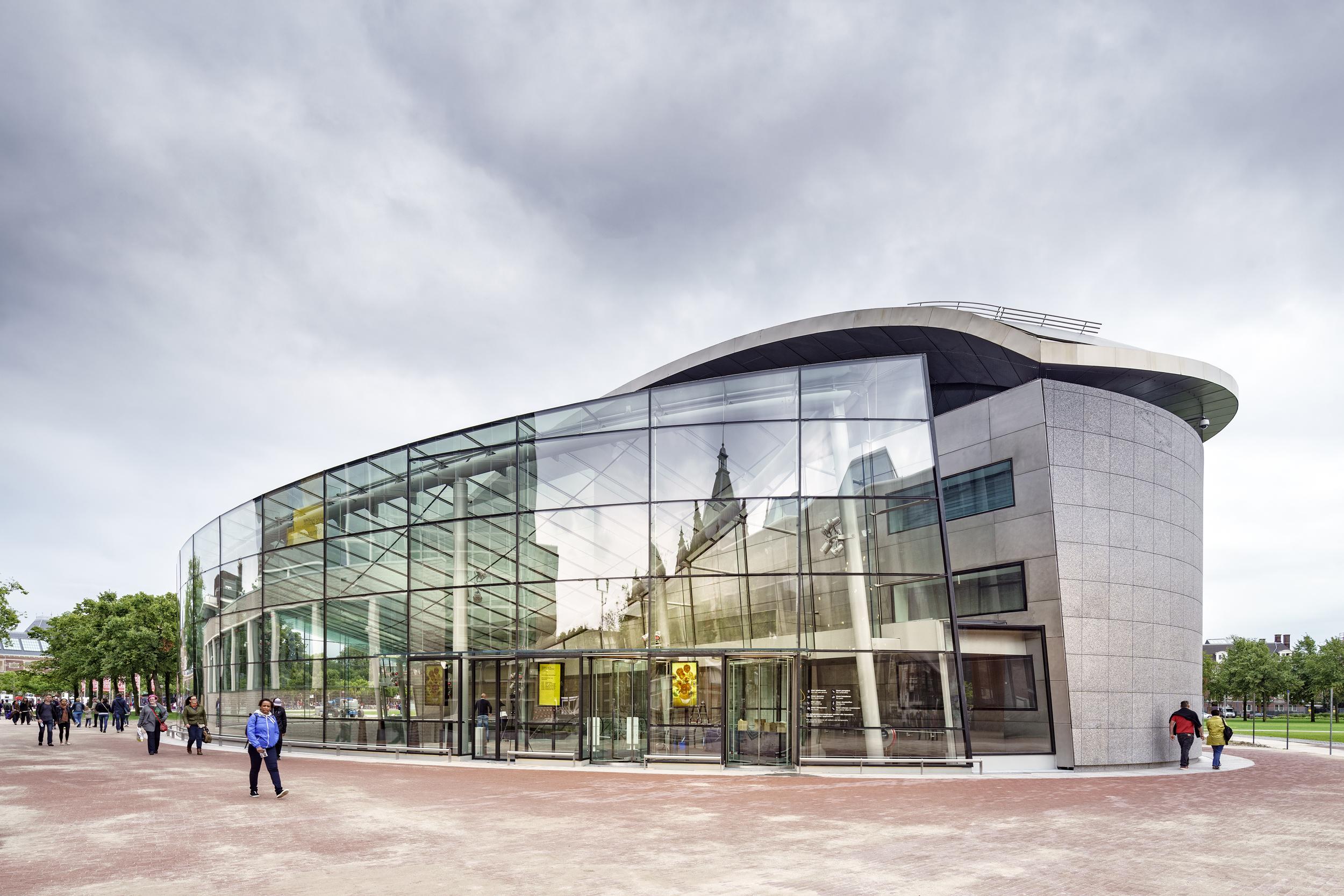 Entreegebouw Van Gogh Museum door Hans van Heeswijk, Kisho Kurokawa. Foto Ronald Tilleman