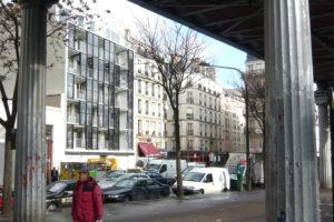 Woongebouw in Parijs met facade van  zonnecollectoren door Philippon-Kalt
