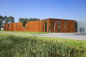 Bedrijfsgebouw in Gorredijk door Sluijmer&vanLeeuwen