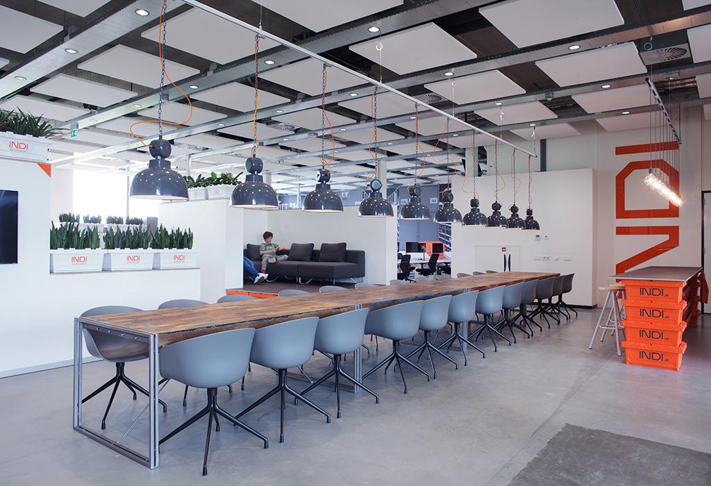 Studio mfd ontwerpt industrieel interieur voor kantoor for Kantoor architect