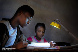 Ontwerpprijsvraag 'Breng duurzaam licht naar Afrika'