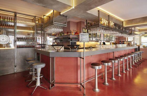 Bar basquiat in amsterdam door studio modijefsky 5 560x366