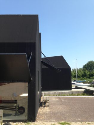 Boathouse 2 in eemnes door yeah architecten 9 315x420