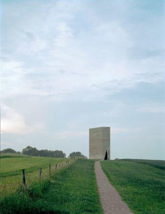 Bruder klaus kapel in wachendorf door peter zumthor 0 324x420