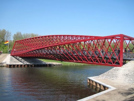 brug de twist in vlaardingen door west8