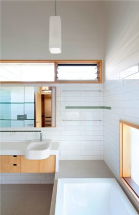 Ecohouse in brisbane au door riddel architecture 11 272x420