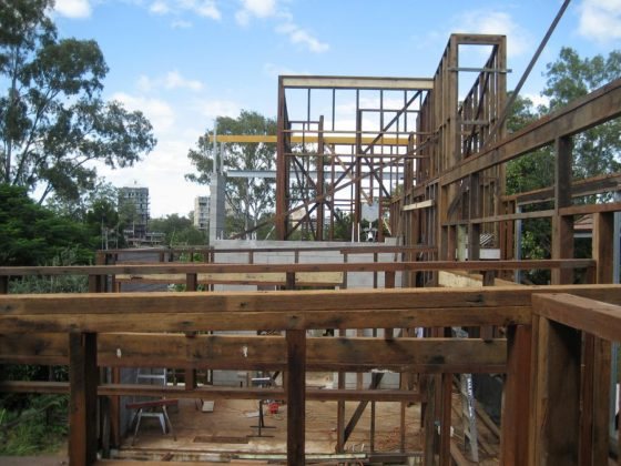 Ecohouse in brisbane au door riddel architecture 3 560x420