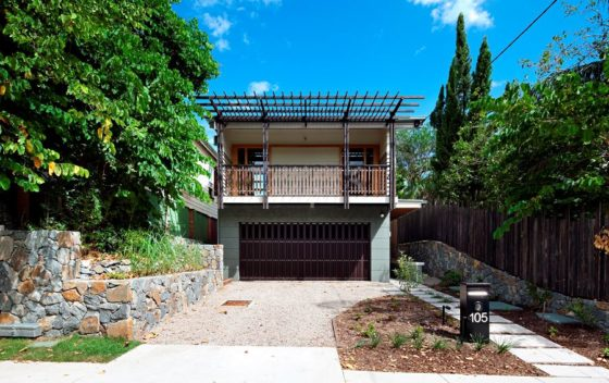 Ecohouse in brisbane au door riddel architecture 9 560x352