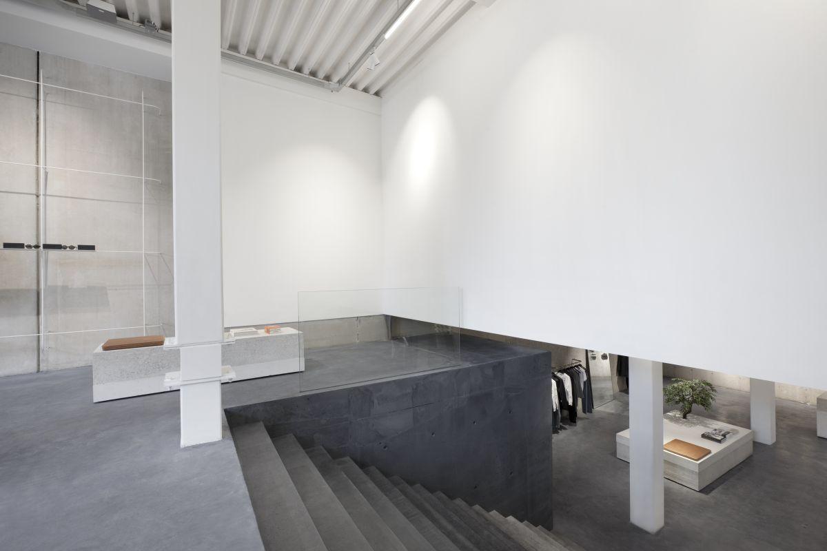 ETQ store in Amsterdam door studiojosvandijk - De Architect