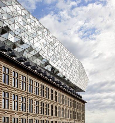 Havenhuis antwerpen zaha hadid architects 12 393x420
