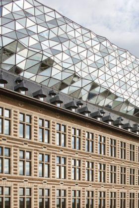 Havenhuis antwerpen zaha hadid architects 14 280x420