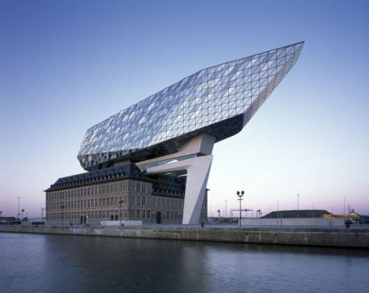 Havenhuis antwerpen zaha hadid architects 25 530x420