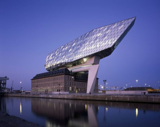 Havenhuis antwerpen zaha hadid architects 26 530x420