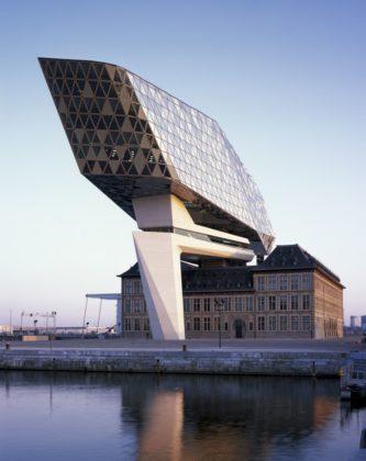 Havenhuis antwerpen zaha hadid architects 27 333x420