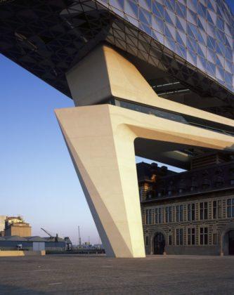 Havenhuis antwerpen zaha hadid architects 28 333x420