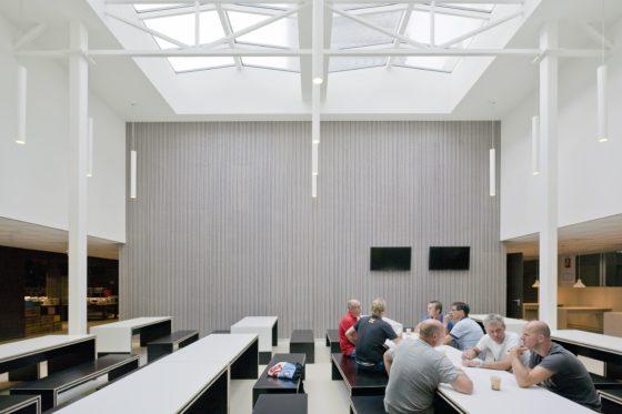 Herbestemming voormalige amro bank kantoor amsterdam 3 560x373