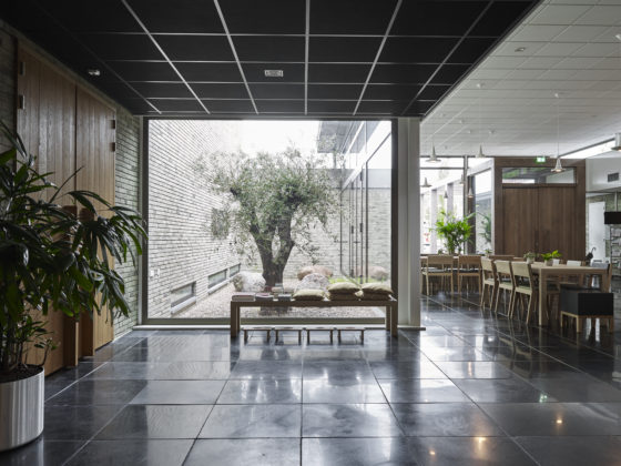 Kerkgebouw rijsenhout enzo architectuur interieur de for Interieur architectuur