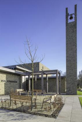 Kerkgebouw rijsenhout enzo architectuur interieur 5 283x420