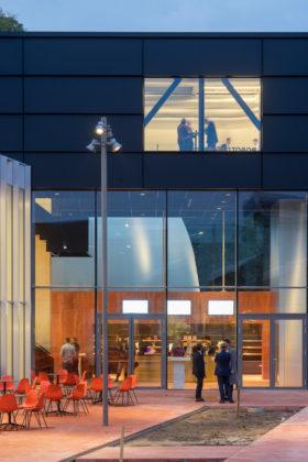 Museumplein limburg in kerkrade door shift architecture urbanism 0 280x420
